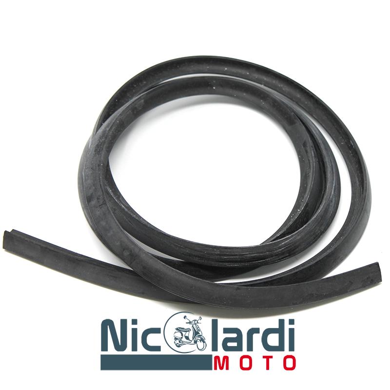 Profilo in gomma nero per bauletto Vespa PX - PXE Arcobaleno - T5 125 - 150cc