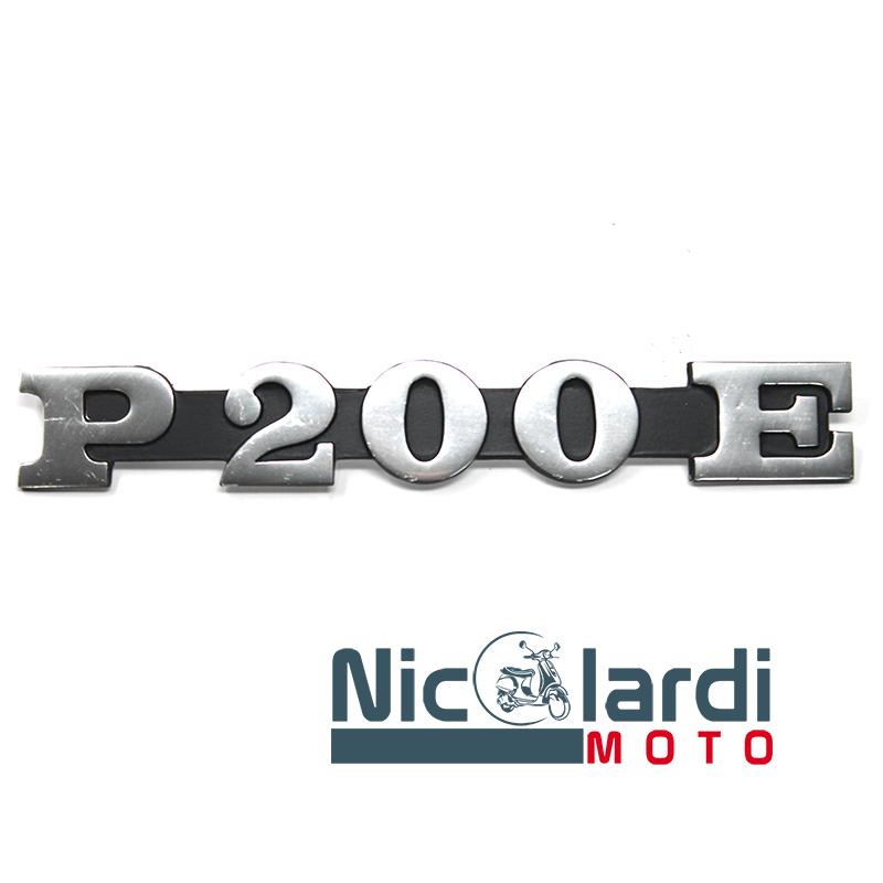 """Targhetta cofano scritta """"P 200 E"""" - Vespa PE 200cc"""